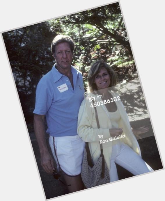 Jan Hooks (left) as Tammy Faye Bakker with Phil Hartman as Jim. CREDIT