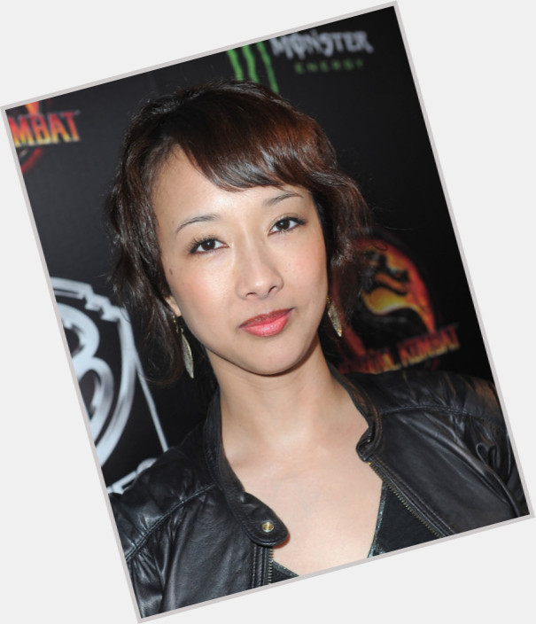 "<a href=""/hot-women/maurissa-tancharoen/where-dating-news-photos"">Maurissa Tancharoen</a> Slim body,  black hair & hairstyles"