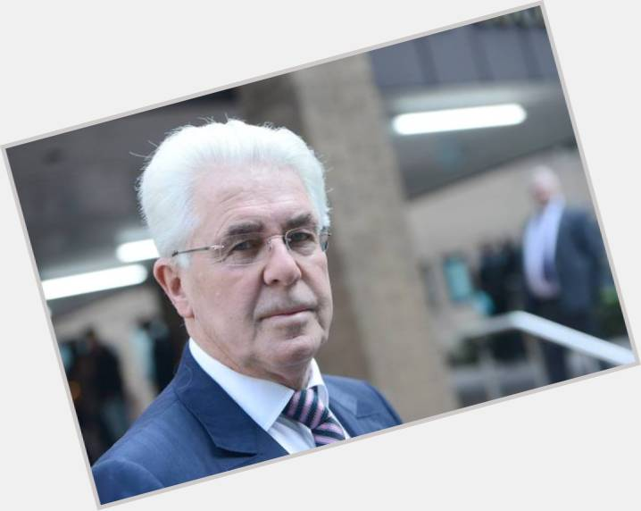 Max Clifford hairstyle 5.jpg