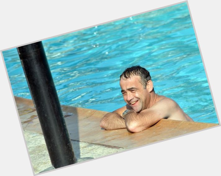 """<a href=""""/hot-men/michael-le-vell/where-dating-news-photos"""">Michael Le Vell</a> Average body,  black hair & hairstyles"""