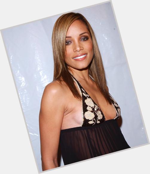 "<a href=""/hot-women/michele-michael/where-dating-news-photos"">Michele Michael</a>"