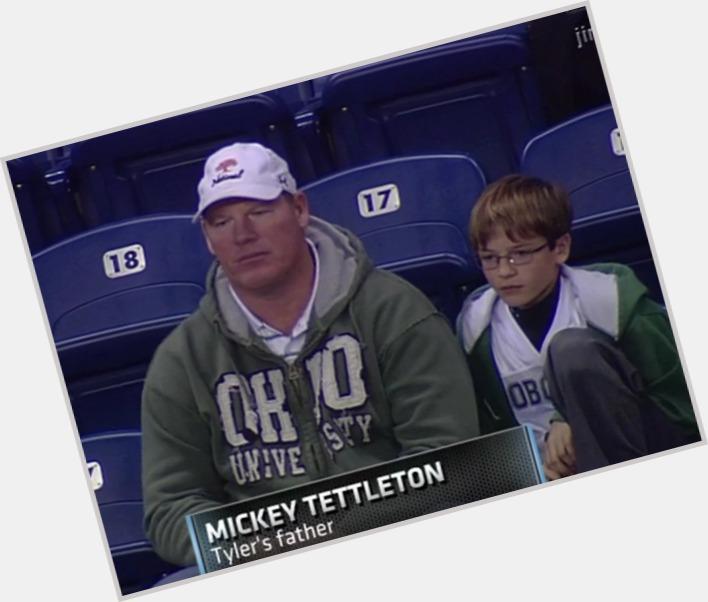 "<a href=""/hot-men/mickey-tettleton/where-dating-news-photos"">Mickey Tettleton</a>"