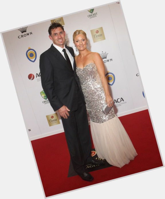 """<a href=""""/hot-men/mike-hussey/where-dating-news-photos"""">Mike Hussey</a>"""