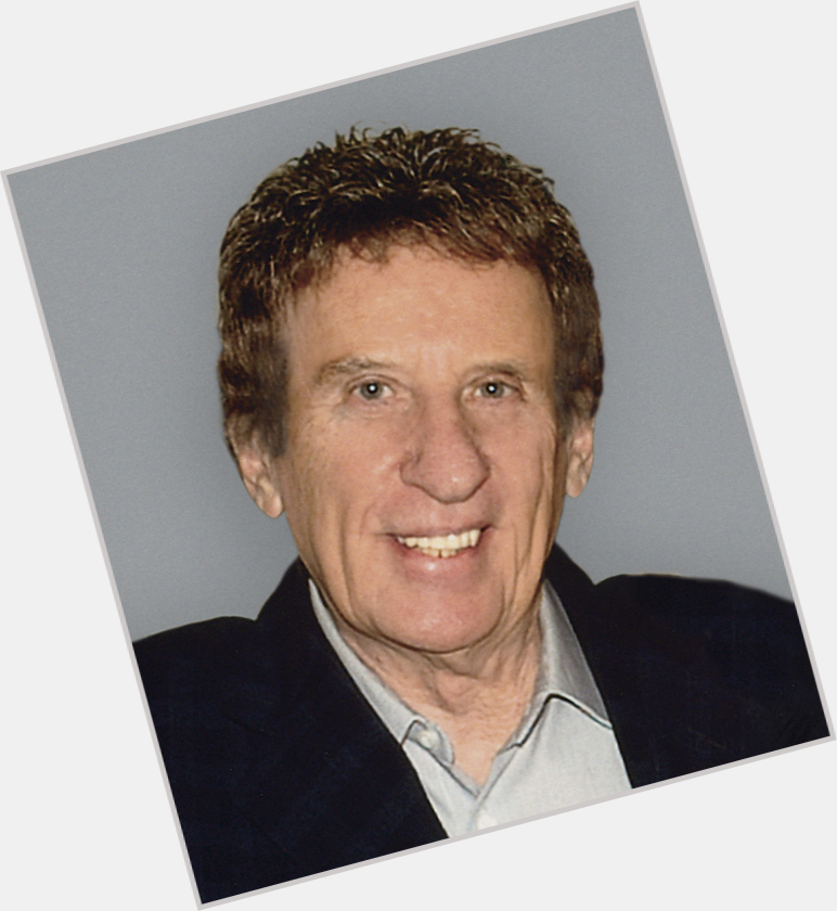 "<a href=""/hot-men/mike-ilitch/where-dating-news-photos"">Mike Ilitch</a> Average body,  grey hair & hairstyles"