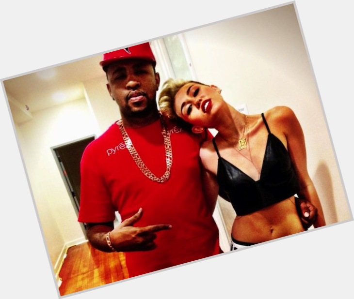 """<a href=""""/hot-men/mike-miley/where-dating-news-photos"""">Mike Miley</a>"""