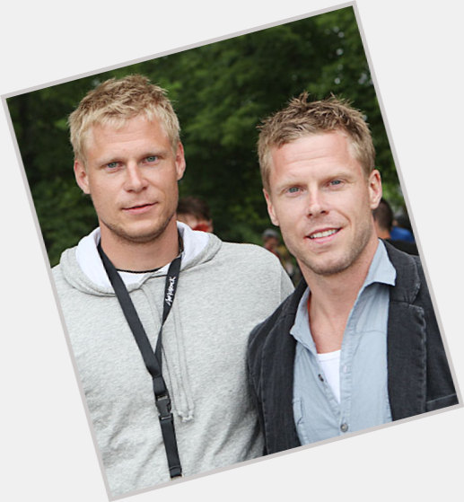 "<a href=""/hot-men/mikko-koivu/where-dating-news-photos"">Mikko Koivu</a> Athletic body,  blonde hair & hairstyles"