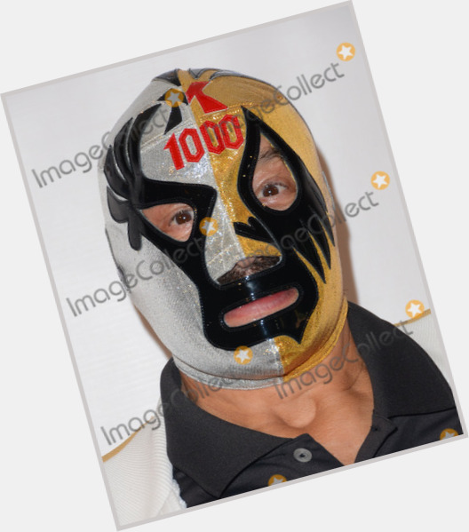 "<a href=""/hot-men/mil-mascaras/where-dating-news-photos"">Mil Mascaras</a> Large body,  dark brown hair & hairstyles"
