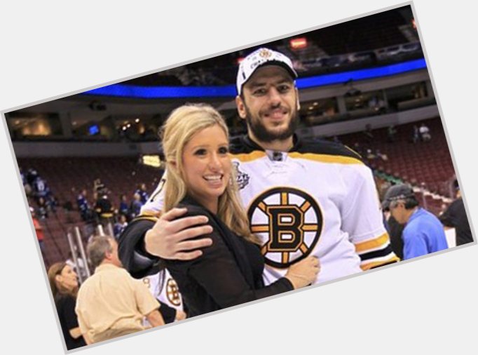 "<a href=""/hot-men/milan-lucic/where-dating-news-photos"">Milan Lucic</a> Athletic body,  black hair & hairstyles"