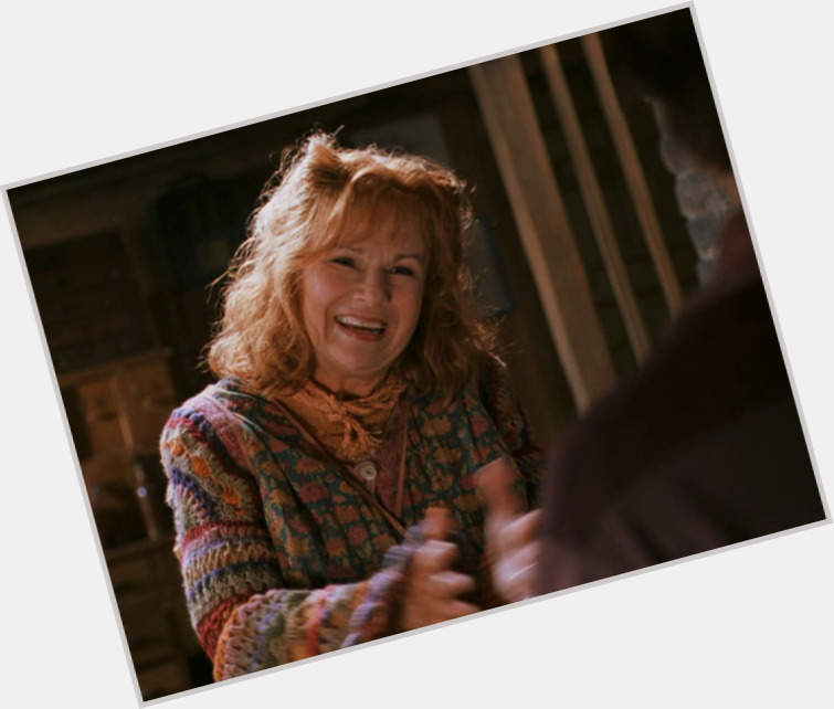 Molly Weasley new pic 1.jpg