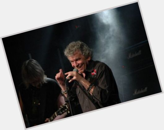 "<a href=""/hot-men/dan-mccafferty/is-he-married-where-wife"">Dan Mccafferty</a> Average body,  grey hair & hairstyles"