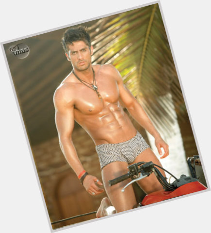 """<a href=""""/hot-men/marco-mendez/is-he-tall"""">Marco Mendez</a> Athletic body,  salt and pepper hair & hairstyles"""