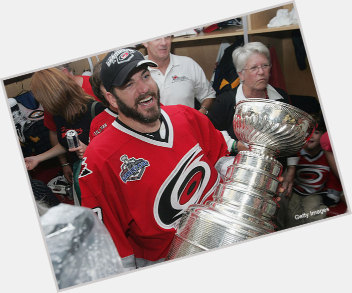 """<a href=""""/hot-men/mark-recchi/is-he-hall-famer-married-doctor-divorce-retire"""">Mark Recchi</a> Athletic body,"""