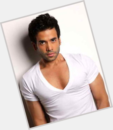 "<a href=""/hot-men/ravi-kapoor/is-he-better-known"">Ravi Kapoor</a>  black hair & hairstyles"