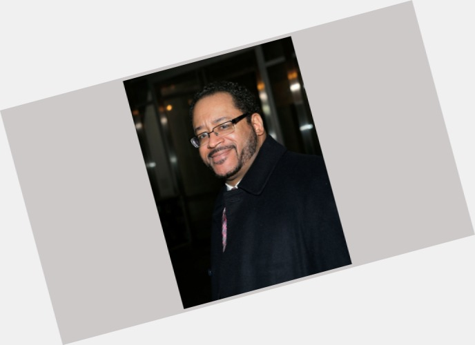 """<a href=""""/hot-men/michael-eric-dyson/is-he-minister-married-fraternity-racist-still-wife"""">Michael Eric Dyson</a> Average body,  dark brown hair & hairstyles"""