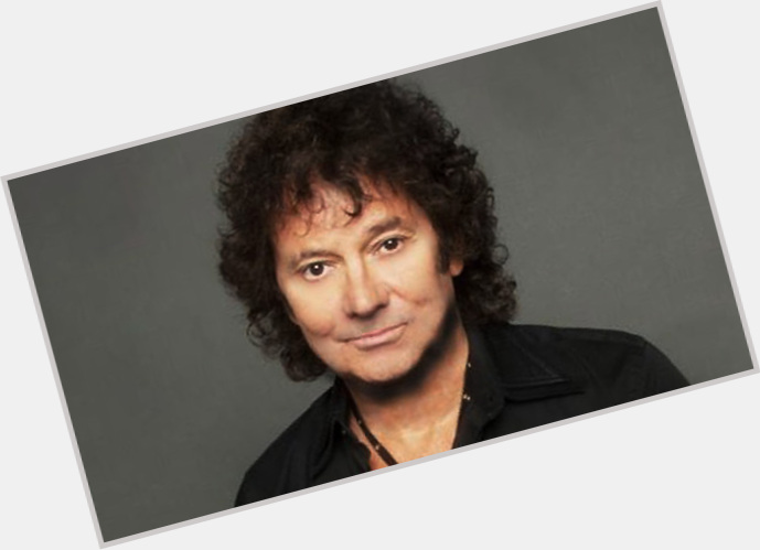 "<a href=""/hot-men/mickey-thomas/is-he-married-starship-still-jefferson-where-now"">Mickey Thomas</a> Average body,"