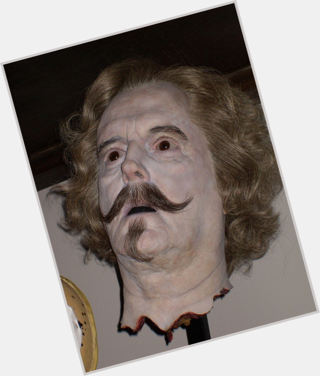 "<a href=""/hot-men/nearly-headless-nick/is-he-nicholas-flamel-what-nick39s-full-real"">Nearly Headless Nick</a> Slim body,  grey hair & hairstyles"