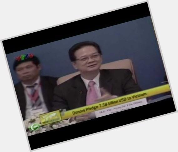 "<a href=""/hot-men/nguyen-tan-dung/where-dating-news-photos"">Nguyen Tan Dung</a> Average body,  black hair & hairstyles"