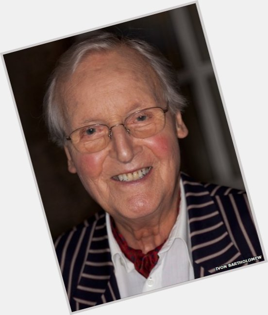 "<a href=""/hot-men/nicholas-parsons/where-dating-news-photos"">Nicholas Parsons</a> Slim body,  salt and pepper hair & hairstyles"