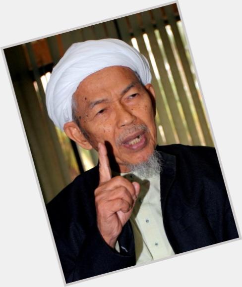 Http://fanpagepress.net/m/N/Nik Abdul Aziz New Pic 1