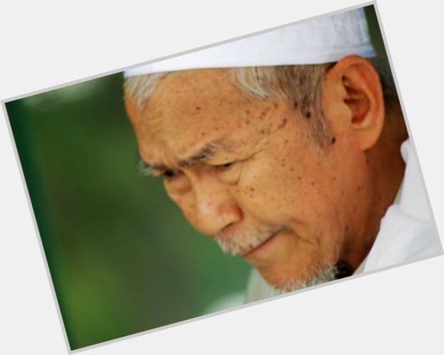 Http://fanpagepress.net/m/N/Nik Abdul Aziz Where Who 3
