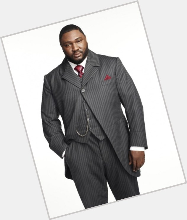 Nonso Anozie exclusive hot pic 4.jpg