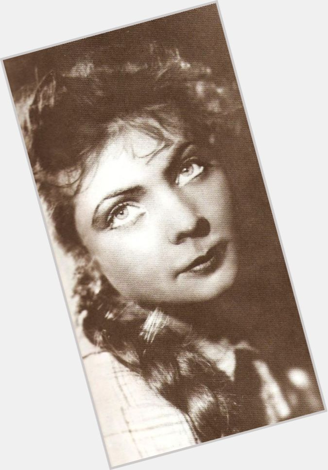 "<a href=""/hot-women/olga-aroseva/where-dating-news-photos"">Olga Aroseva</a> Average body,  dark brown hair & hairstyles"