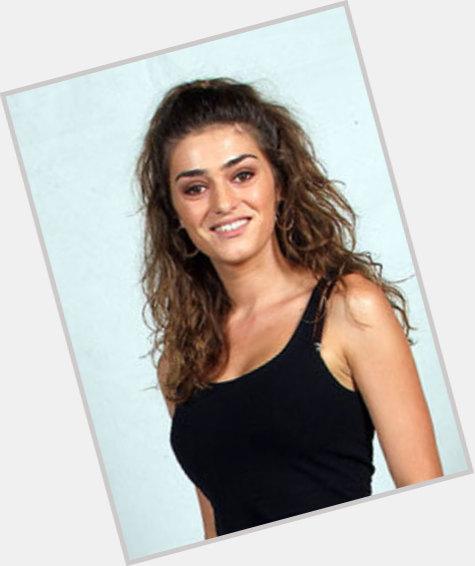 "<a href=""/hot-women/olivia-molina/where-dating-news-photos"">Olivia Molina</a> Average body,  dark brown hair & hairstyles"