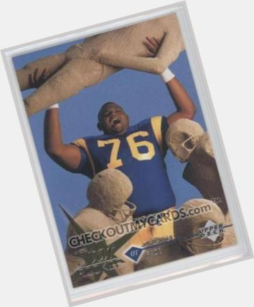 """<a href=""""/hot-men/orlando-pace/where-dating-news-photos"""">Orlando Pace</a> Large body,  black hair & hairstyles"""