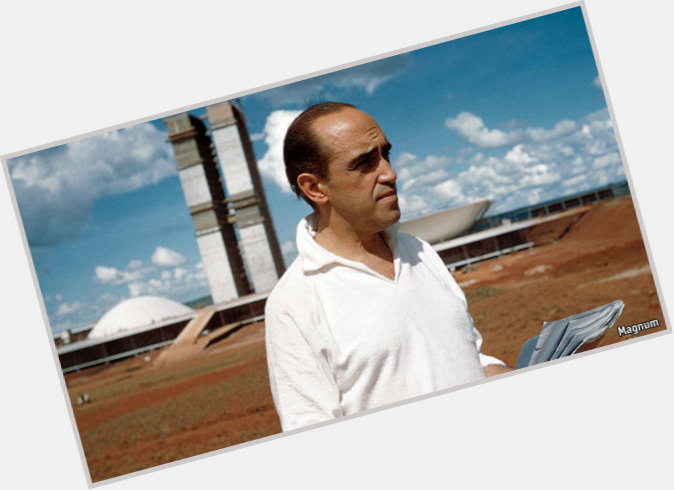 Oscar Niemeyer sexy 0.jpg