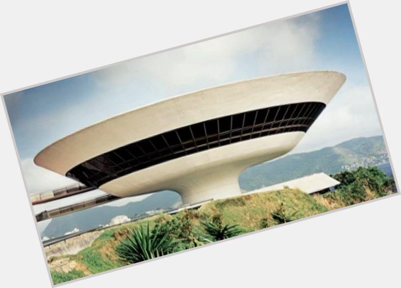 Oscar Niemeyer sexy 7.jpg