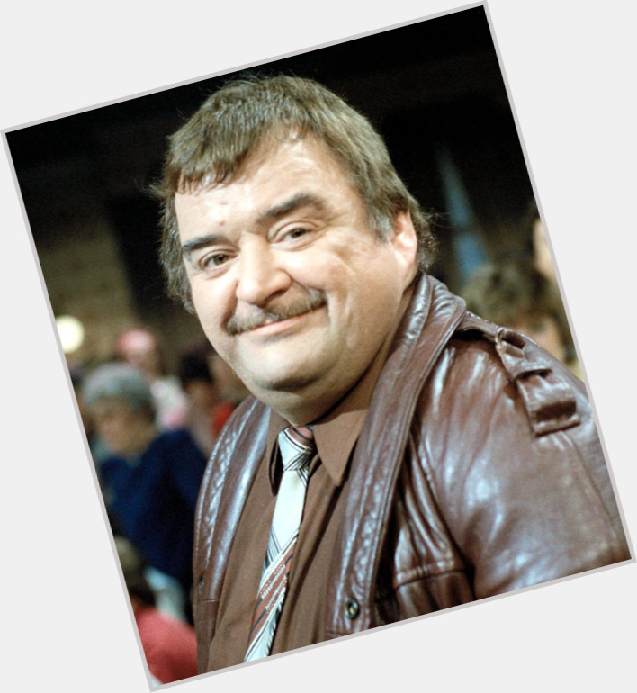"<a href=""/hot-men/paul-shane/where-dating-news-photos"">Paul Shane</a> Large body,  grey hair & hairstyles"