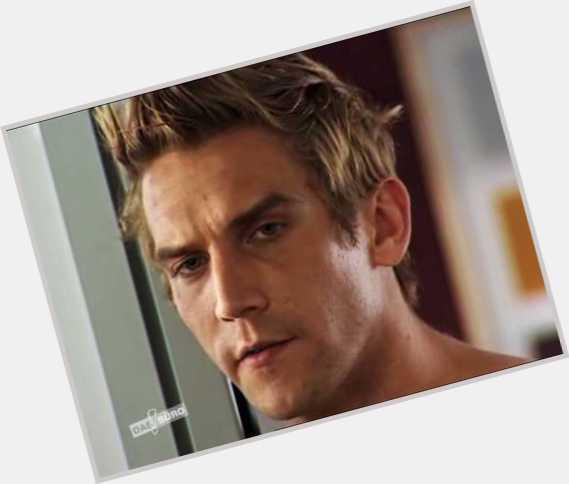 "<a href=""/hot-men/peer-kusmagk/where-dating-news-photos"">Peer Kusmagk</a> Average body,  blonde hair & hairstyles"