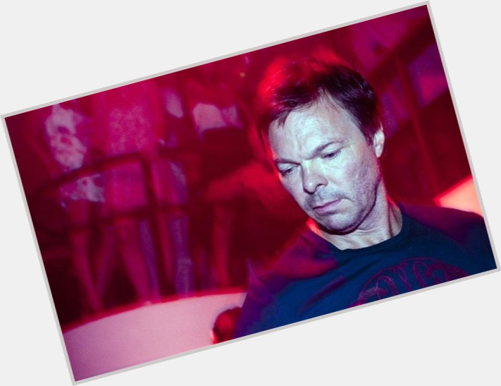 """<a href=""""/hot-men/pete-tong/where-dating-news-photos"""">Pete Tong</a> Average body,  dark brown hair & hairstyles"""