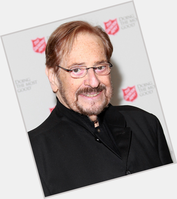 """<a href=""""/hot-men/phil-ramone/where-dating-news-photos"""">Phil Ramone</a> Average body,  light brown hair & hairstyles"""
