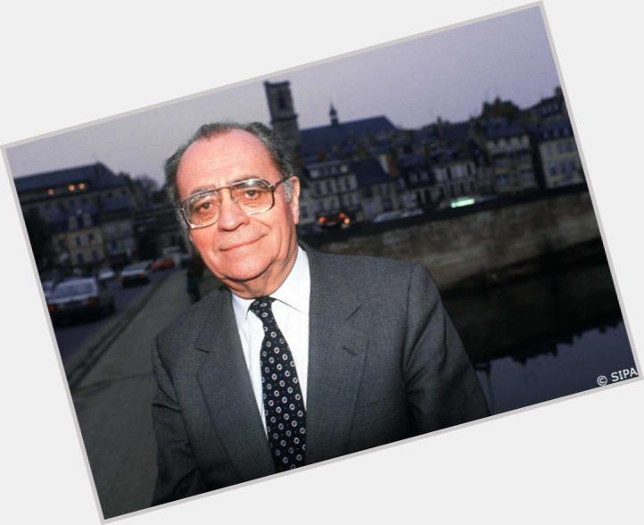 "<a href=""/hot-men/pierre-beregovoy/where-dating-news-photos"">Pierre Beregovoy</a>"