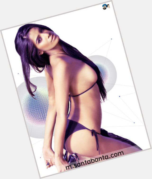 "<a href=""/hot-women/poonam-pandey/where-dating-news-photos"">Poonam Pandey</a>"