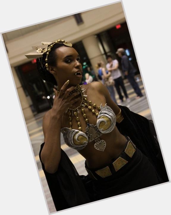 """<a href=""""/hot-women/queen-akasha/where-dating-news-photos"""">Queen Akasha</a> Slim body,  black hair & hairstyles"""