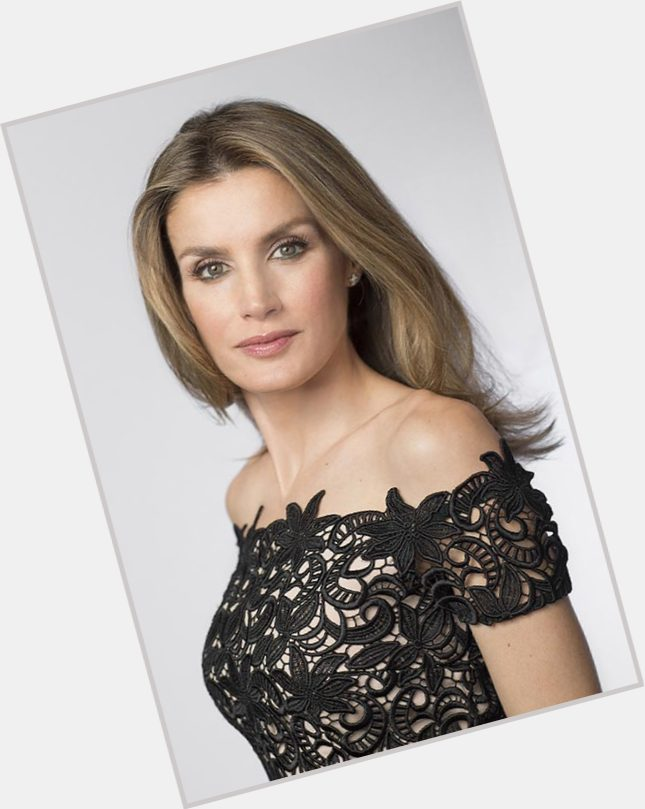 Queen Letizia of Spain exclusive hot pic 5