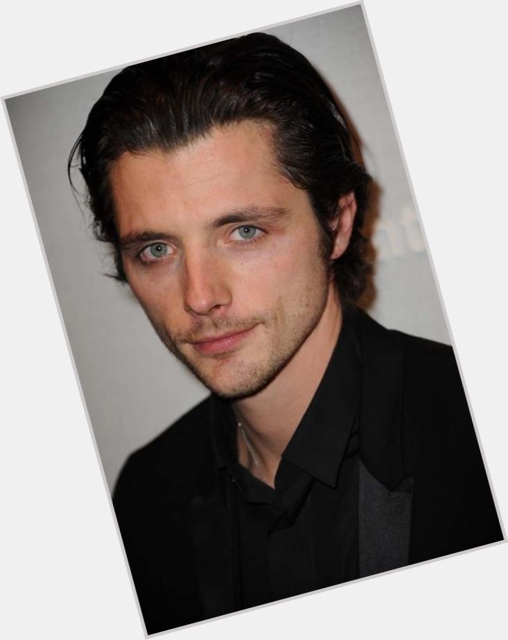 Raphael Personnaz hairstyle 3.jpg
