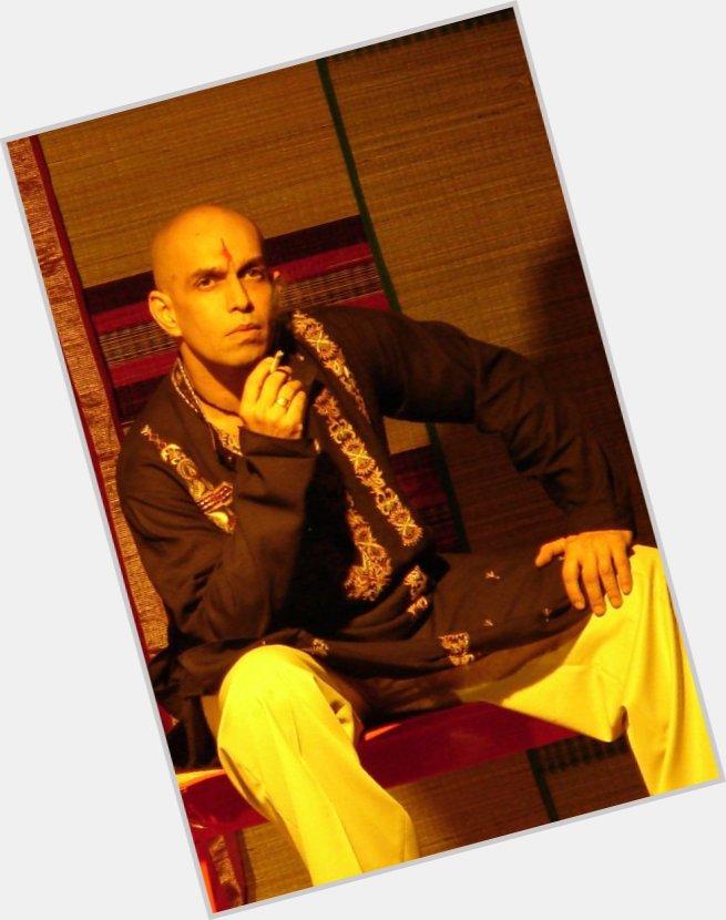 "<a href=""/hot-men/ratan-thakore-grant/is-he-bi-2014"">Ratan Thakore Grant</a> Athletic body,  bald hair & hairstyles"