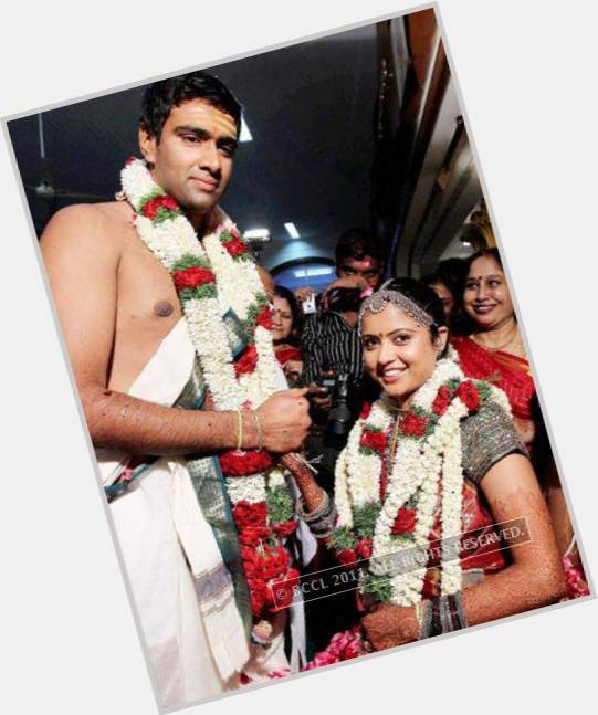 "<a href=""/hot-men/ravichandran-ashwin/where-dating-news-photos"">Ravichandran Ashwin</a> Athletic body,  black hair & hairstyles"