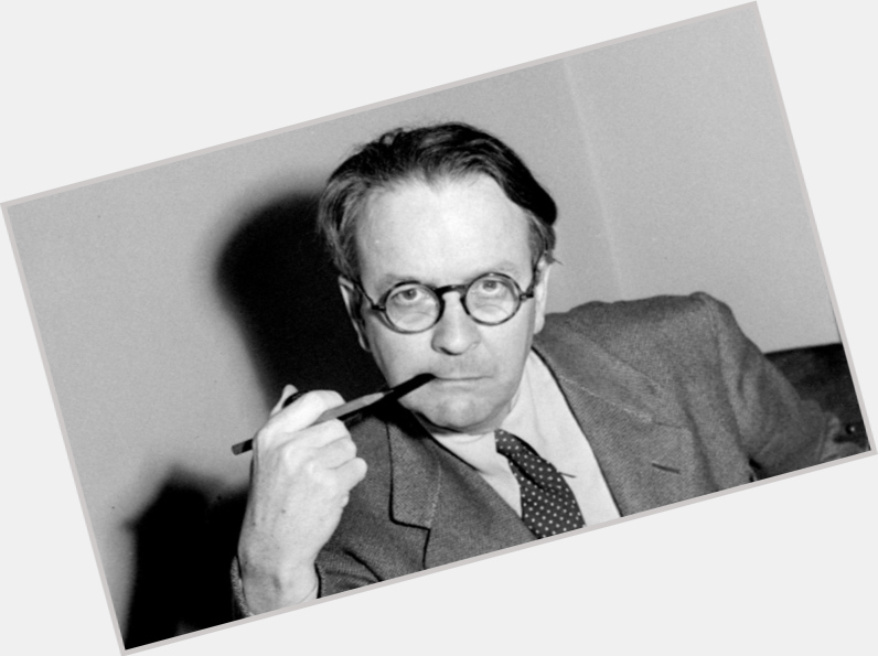Raymond Chandler exclusive hot pic 8.jpg