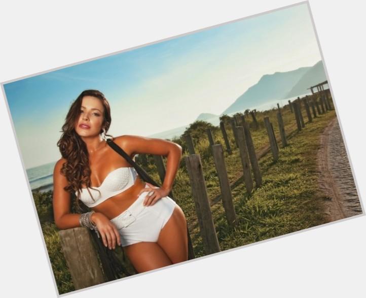 "<a href=""/hot-women/renata-dominguez/where-dating-news-photos"">Renata Dominguez</a> Slim body,  dark brown hair & hairstyles"