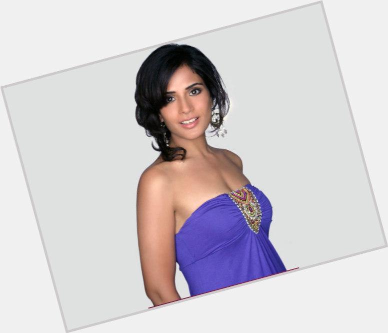 Richa Chadda hairstyle 9.jpg