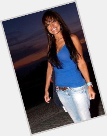 "<a href=""/hot-women/rita-guerra/where-dating-news-photos"">Rita Guerra</a> Slim body,  dark brown hair & hairstyles"