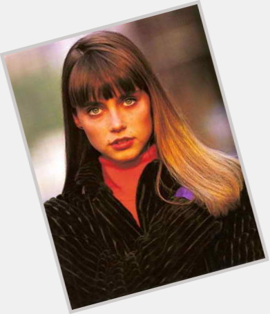 "<a href=""/hot-women/roberta-chirko/where-dating-news-photos"">Roberta Chirko</a> Slim body,  light brown hair & hairstyles"