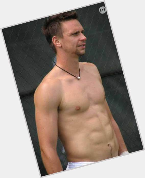 "<a href=""/hot-men/robin-soderling/where-dating-news-photos"">Robin Soderling</a> Athletic body,  light brown hair & hairstyles"