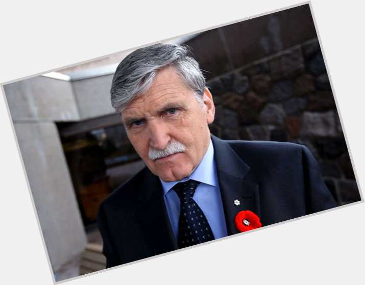 "<a href=""/hot-men/romeo-dallaire/where-dating-news-photos"">Romeo Dallaire</a> Average body,  salt and pepper hair & hairstyles"