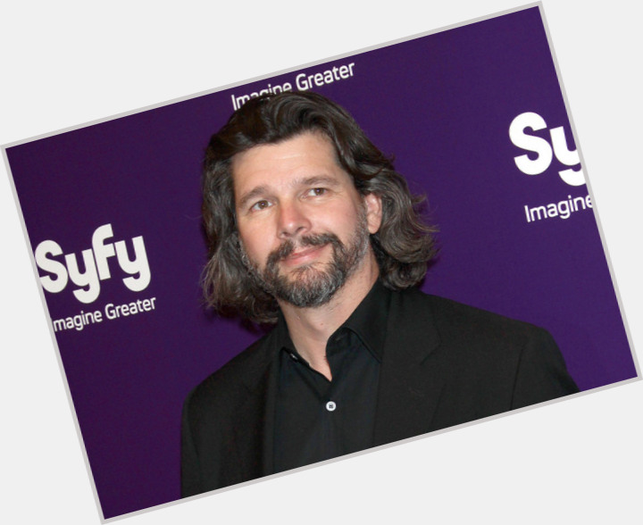 Ronald D Moore hairstyle 6.jpg
