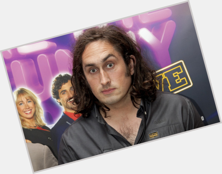 "<a href=""/hot-men/ross-noble/where-dating-news-photos"">Ross Noble</a> Average body,  black hair & hairstyles"